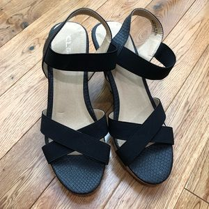 CL by laundry wedge sandal sz 8.5
